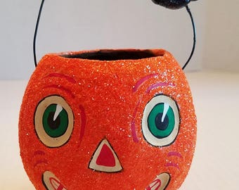 """Vintage HALLOWEEN MIni PUMPKIN Trick Or Treat Basket Adorable Hand Painted 5"""" High Sparkle Handle Footed Collectable Holiday"""