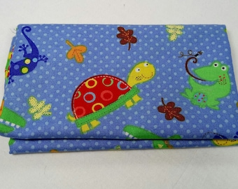 FUN NATURE fabric Coupon WITH turtles, frogs and crocodiles 50x55cm patchwork cotton