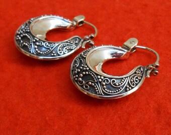 Balinese Sterling Silver Hoop Earrings / silver 925 / 1 inch  / Bali Handmade jewelry / (#783E)