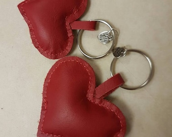 Heart leather keyring (medium)