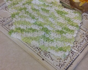 Set of two crochet wash cloth in green and white