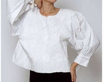 Vintage 1970s Oversized White Embroidered Draped Peasant Top with Boho Sleeves | Free Size