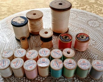 Lot 21 Vintage wooden spools of thread Meyer Coats & Clarks ONT size 50 carpet sewing