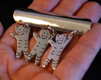 Trio of Dangling Dancing Cats Bar Brooch in Vintage Sterling #BKC-KBRCH50