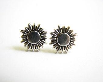 Silver Sunflower Earring Small Stud Earrings Stainless Steel Post Daisy Studs Sunflower Jewelry Metal Studs Earrings Everyday Jewelry