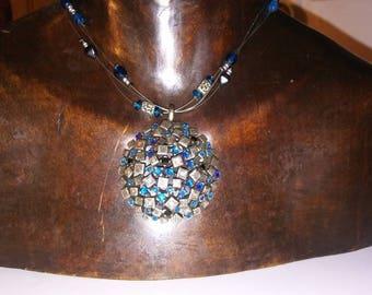 Beautiful Vintage Necklace Lovely Pendant