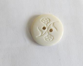 Button * white round flower pattern
