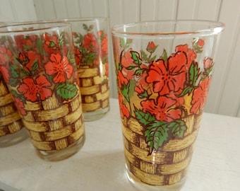 Retro 1970s Kitchen Beverage Glass Tumblers - Red Geranium Flowers and Lattice Design - Mid Century Kitchen Glassware - Set of Glasses
