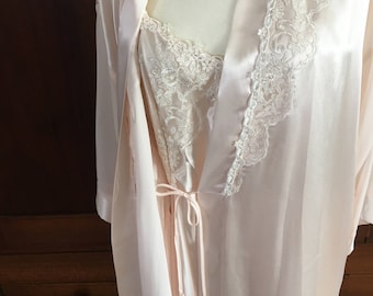 L /  Peignoir/Nightgown and Robe in Soft Pink / Large