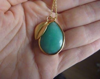 green jade Necklace: raindrop