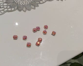 Set of 10 rhinestone studded acrylic 6 mm powder pink thread