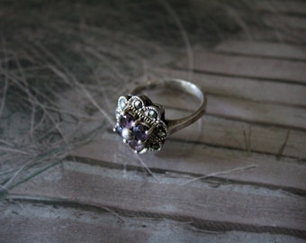SILVER ANTIQUE RING, with gemstones and marcasite . uk N