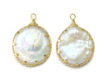 Mother of Pearl Pendant . Wedding Jewelry, Bridal Jewelry . 16K Polished Gold Plated over Brass / 2 Pcs - DG029-PG-WH