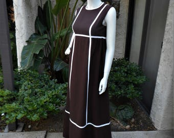 Vintage 1970's Brown & White Empire Waist Dress - Size 6
