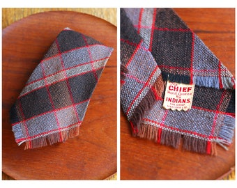 vintage 1940s handwoven wool tie