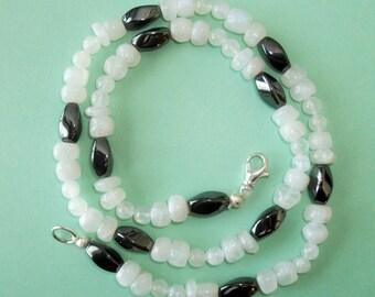Gemstone Jewelry Necklace - Hemalyke and Rainbow Moonstone Gemstone Beaded Necklace