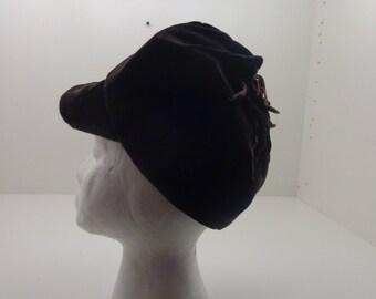 """Vintage Brown Velvet Ladies """"Newsboy Cap"""""""
