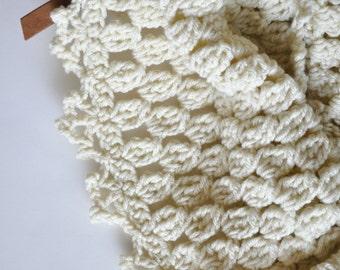 Chunk Lace Cowl Crochet Pattern