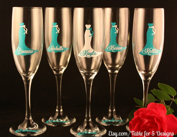 Set of 10 Personalized Wedding Champagne Flutes/ Glasses/ Wedding Dress/ Bridesmaid/ Maid of Honor/ Mother of the Bride/ Mother of the Groom
