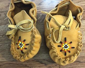 Baby moccasins/ booties: Native American Navajo handmade beaded Moccasins