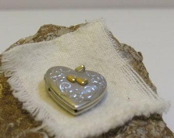 heart locket Love easy with this heart locket marked 925