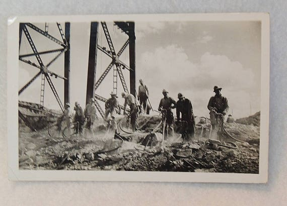 Vintage RPPC Postcard.. Construction Worker Crew On Grand Coulee Dam