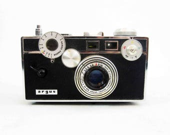 "Vintage Argus C3 35mm Camera  ""The Brick"". Circa 1930's - 1960's."