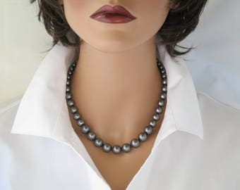 Pearl necklace, Swarovski dark gray large pearl necklace, Simple graduated pearl necklace, Business casual necklace, Grey pearl necklace