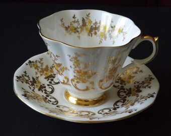 QUEEN ANNE England GOLD, Yellow Tea Cup and Saucer Tea cup #11262017