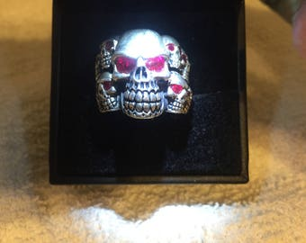 925 sterling and red garnet scull ring