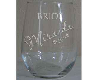 Wedding Party Stemless Wine Glasses -  Personalized Stemless White Wine Glasses for your Bridal Party