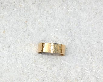 Nu-gold band ring
