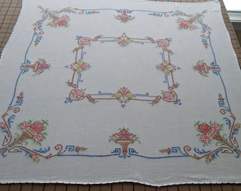 """Vintage Embroidered Tablecloth 33"""" square"""