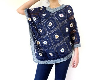 Poncho crocheted flowers blue white