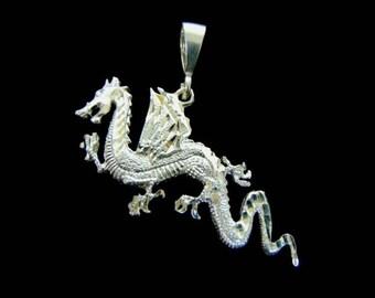Vintage Estate .925 Sterling Silver Chinese Dragon Pendant 16.4g #E3041