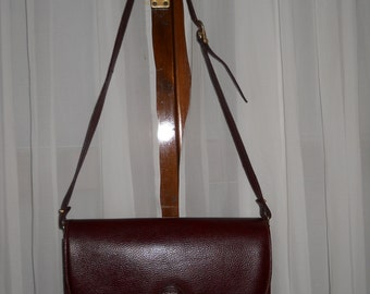 Authentic vintage Cartier bag ! Genuine leather !
