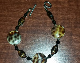 Shell Bead Disk and Multi Color Glass Bead Bracelet
