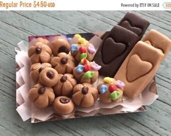 SALE Miniature Cookies Timeless Minis Cookie Tray 1.5 inch (3.8 cm), Dollhouse Miniature, 1:12 Scale, Miniature Food