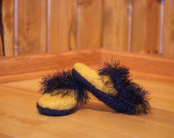 hand knit yellow/black 100% wool child's slippers