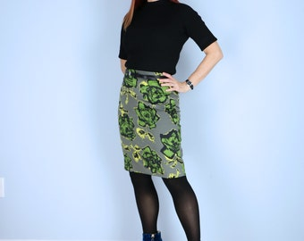 1990s Skirt - Floral Pencil Skirt - Roses - Sexy Mod Fitted Skirt - Office Appropriate - Knee Length - Grey Green - Medium Waist 28""