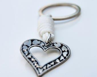 Wedding favor. First communion favor. Baptism favor. Heart Keychain.  Bridesmaids Gift.
