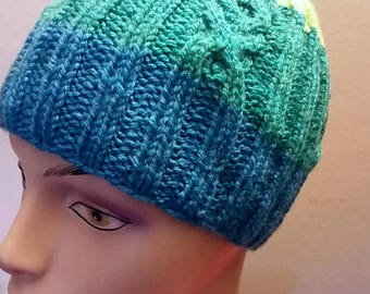Hugs and kisses hat