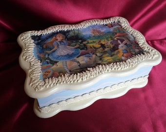 New gift jewerly wood box Alice in Wonderland