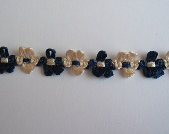 Navy flowers and beige-ref B2 rococo Ribbon
