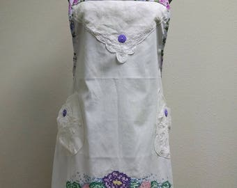 Vintage Apron, Vintage Linens, Vintage Embroidered Pillowcase, Vintage Tablecloth, Doily, Hostess Tea Apron, Shabby Chic, Retro