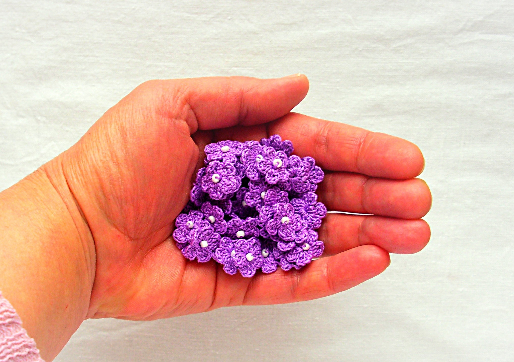 A lot of 50 mini hand crochet flowers applique - very small lavender ...