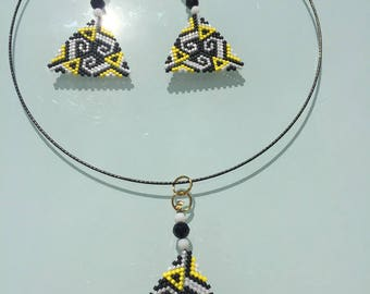 Miyuki peyote weave set with black, white and yellow Japanese pearls