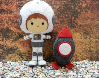 Felt Astronaut Spaceman and Rocket by Noialand