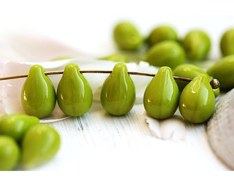 Opaque Olive green teardrops Light olivine Czech Glass pressed beads green drops 6x9mm - 20pc - 2766