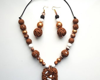 Caramel Jewellery Set, Knecklaces and Earrings, Gift Idea, Gift for Her, Handmade, Statement Jewellery, Brown, Designer, Limted Edition.